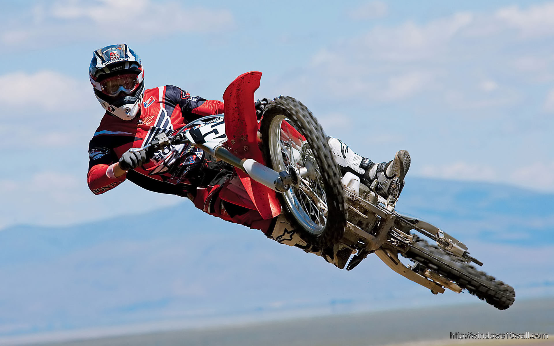 Sports Bike in HD Background Wallpaper 36