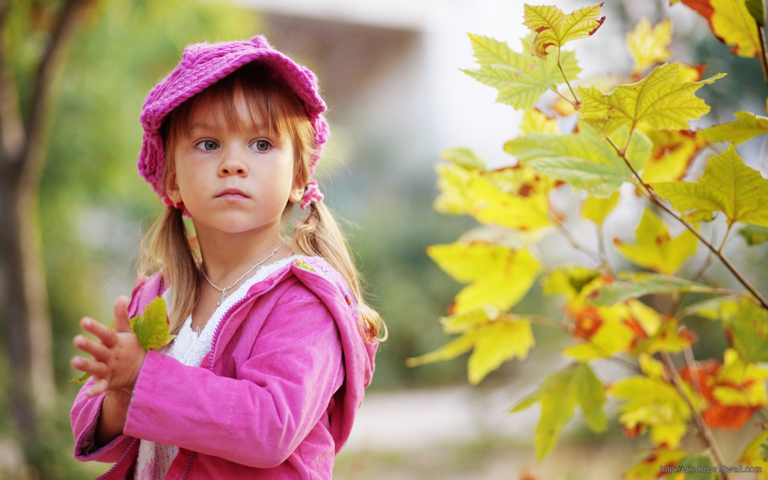 Cute baby girl latest hd wallpapers 193 Views