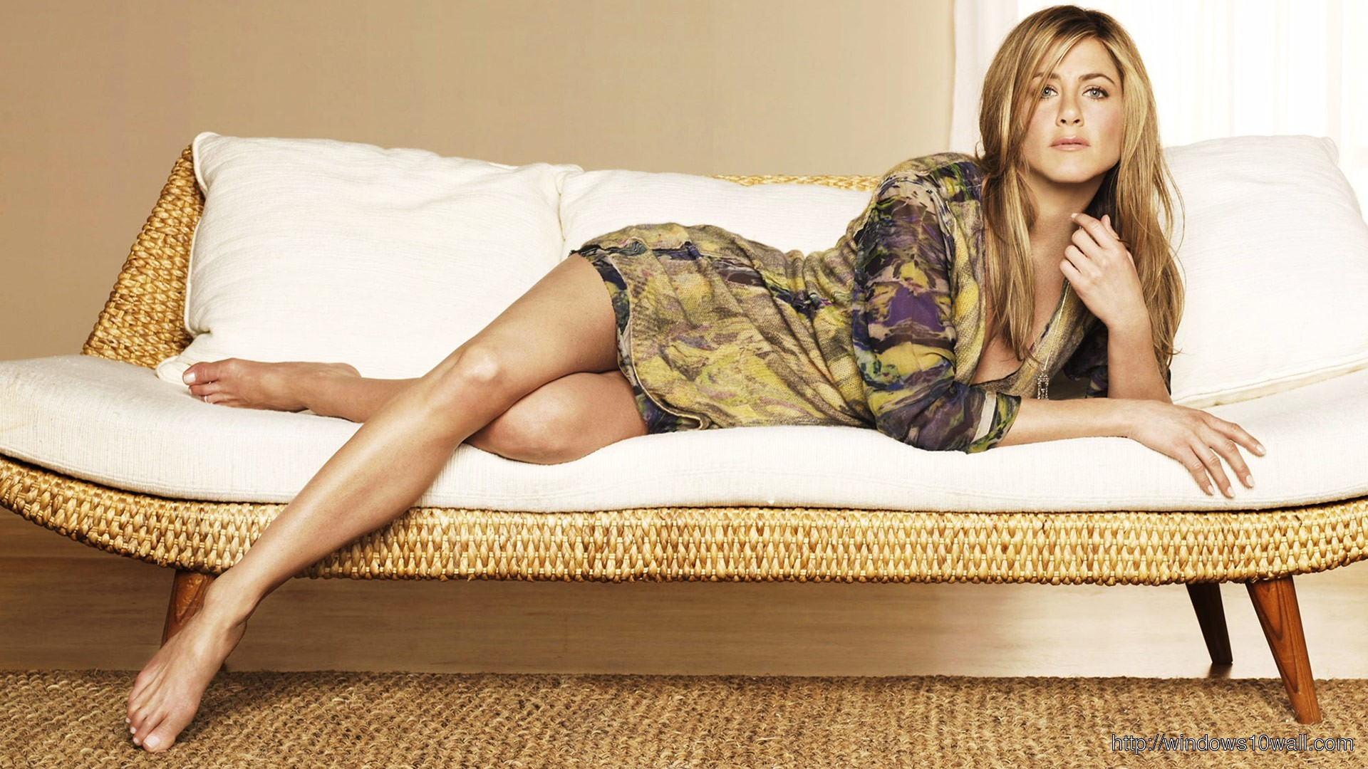 Hollywood Celebrity Jennifer Aniston Hot HD Wallpaper
