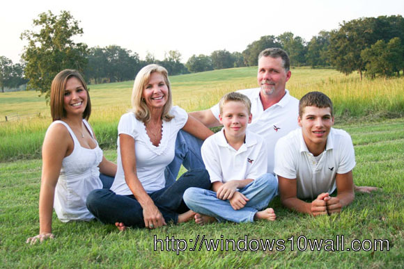 Family Photography Ideas Garden View Background Wallpaper