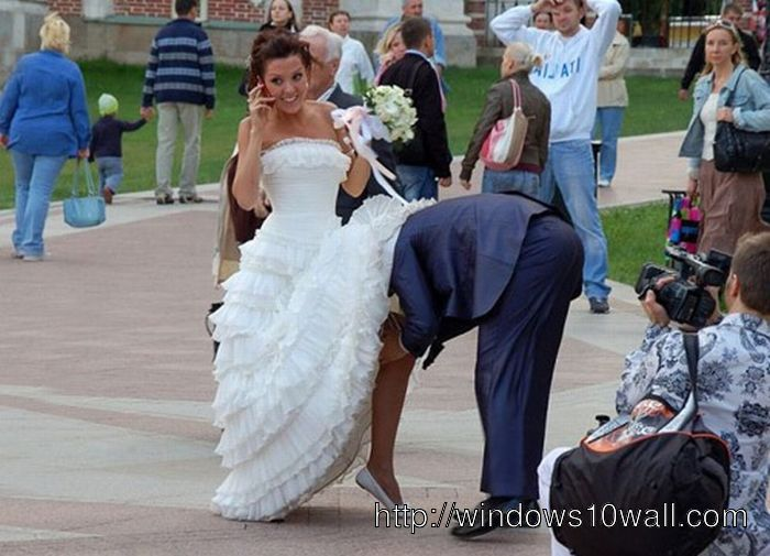 Comical Photo Funny Incident in the Public