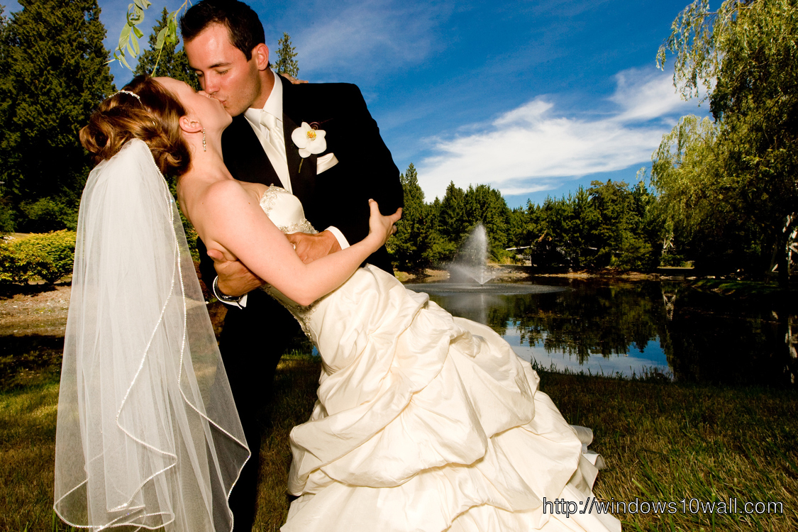 Kissing Wedding Photo Ideas Background Wallpaper
