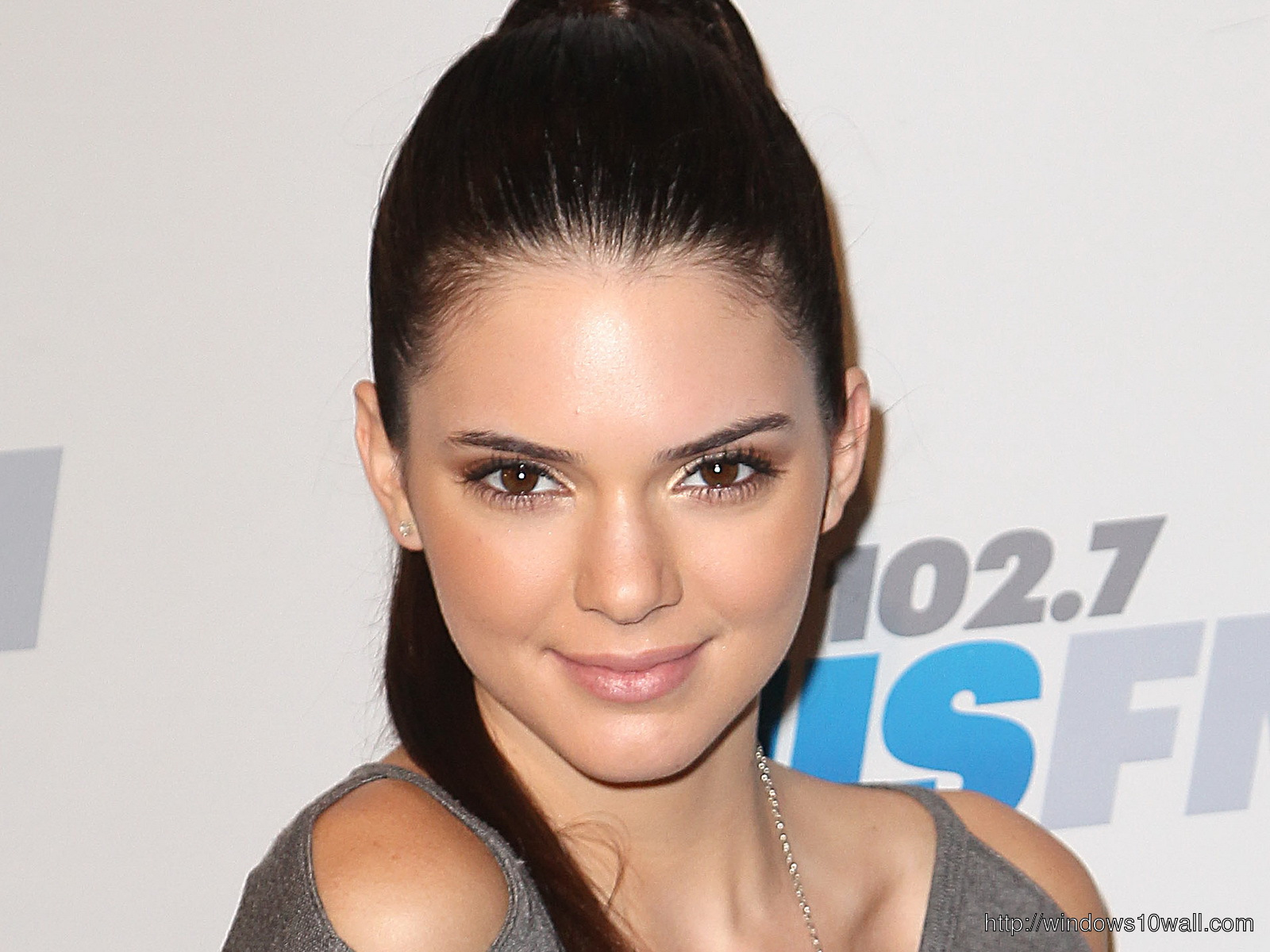 Kendall Jenner American Hollywood Celebrity Wallpaper