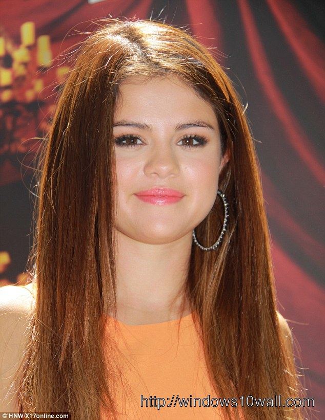 Selena Gomez  Auburn Hair Color Haircut Wallpaper