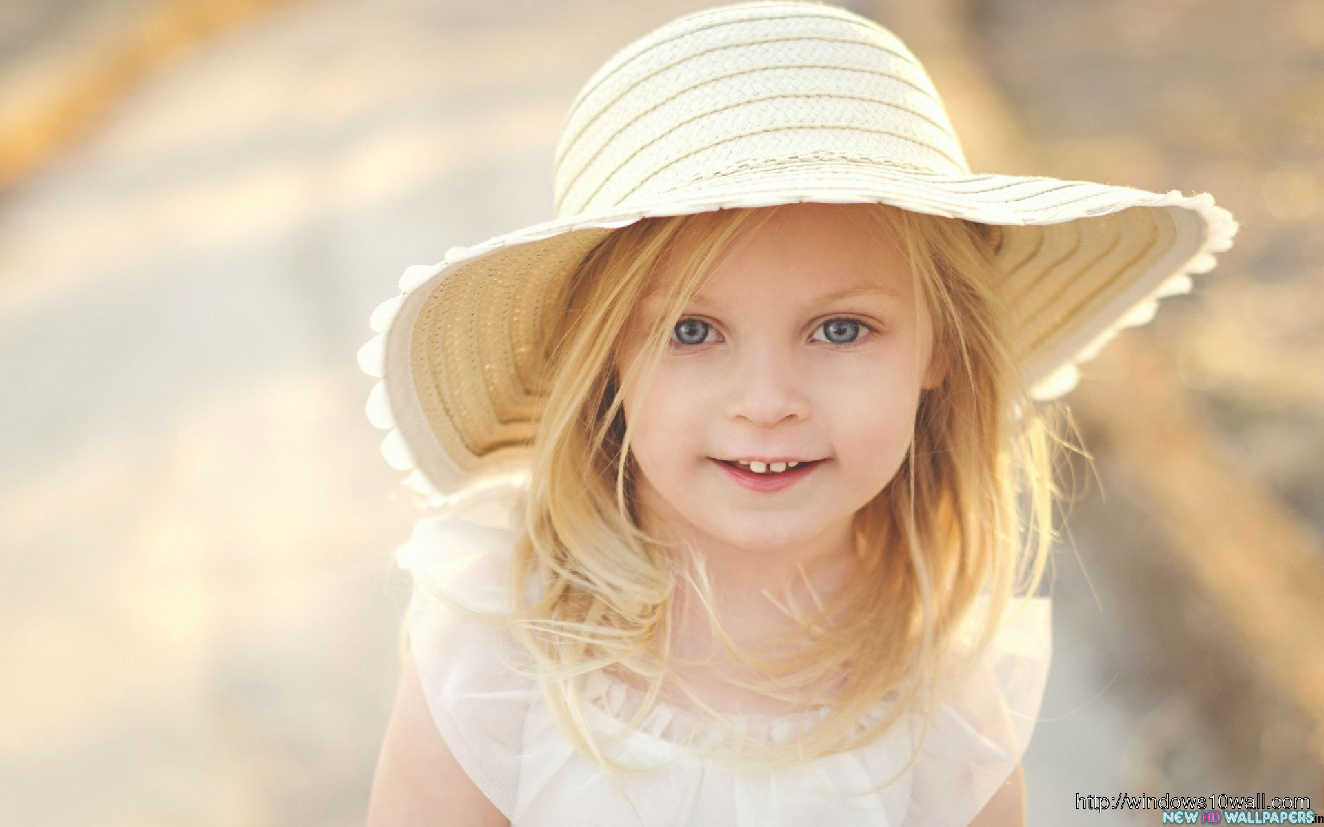 Cute Girl Hat Background Wallpaper