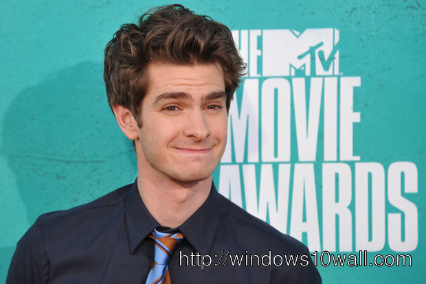 actor andrew garfield Background Wallpaper