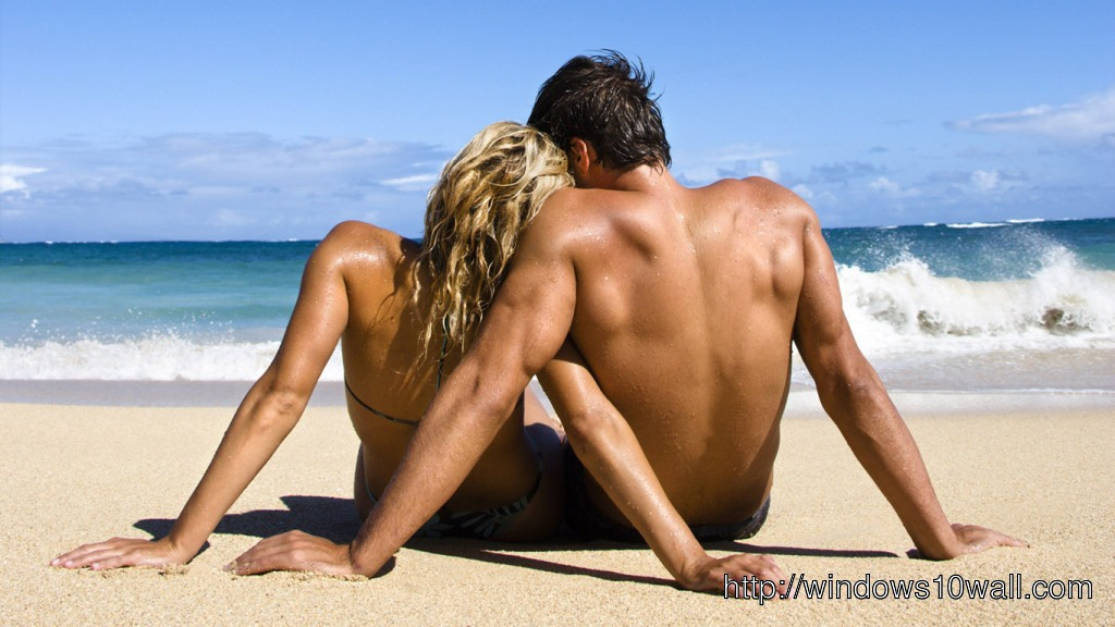 Romantic Couple Beachg Side View Wallpaper