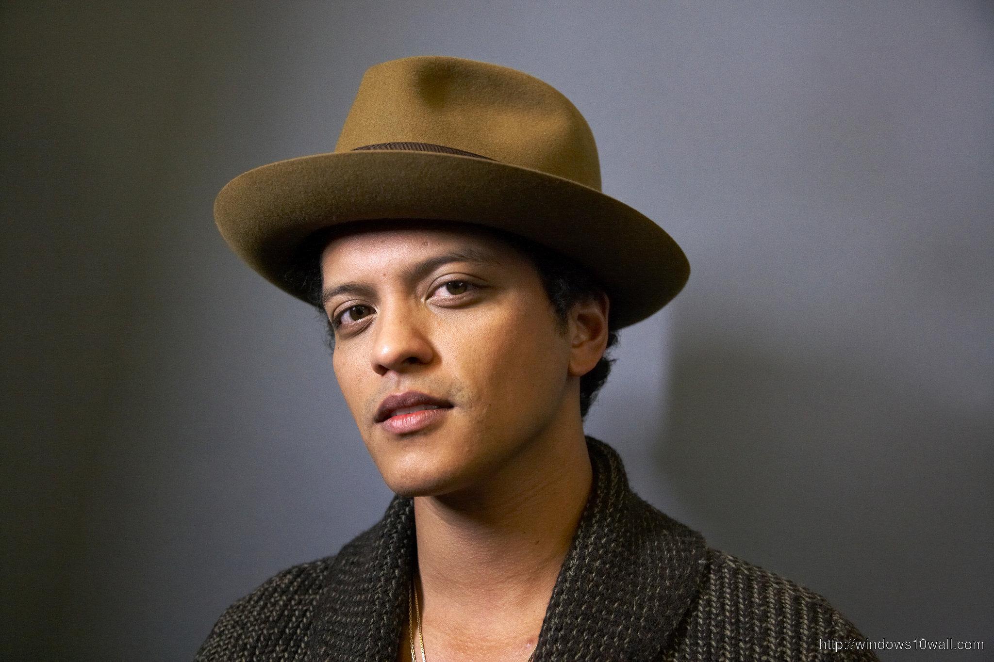 Bruno-Mars-Closer-Look-HD-Wallpaper