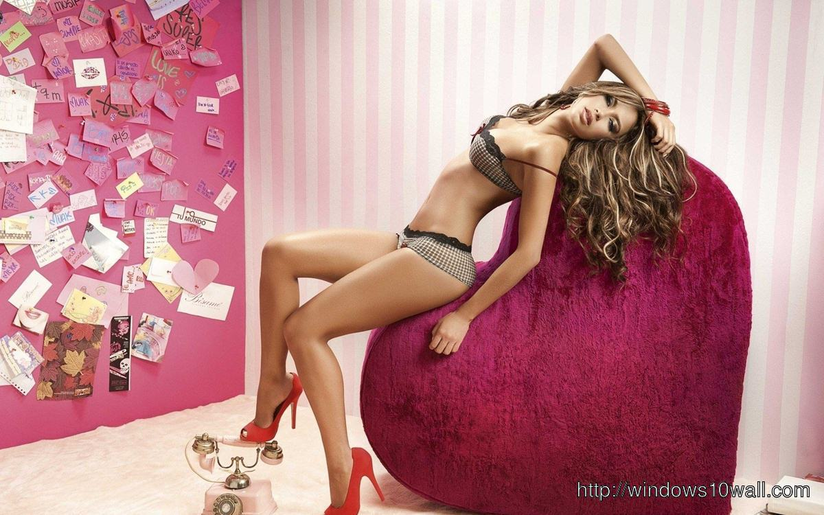 Catalina Otalvaro Gorgeous Background Pic