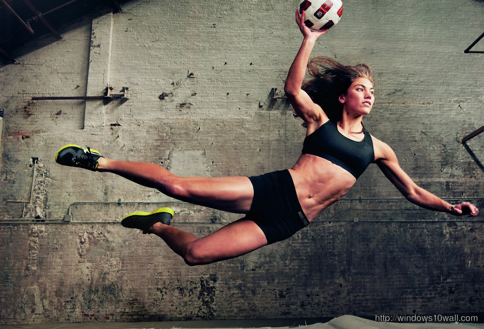 Hope Solo in Action Wallpaper