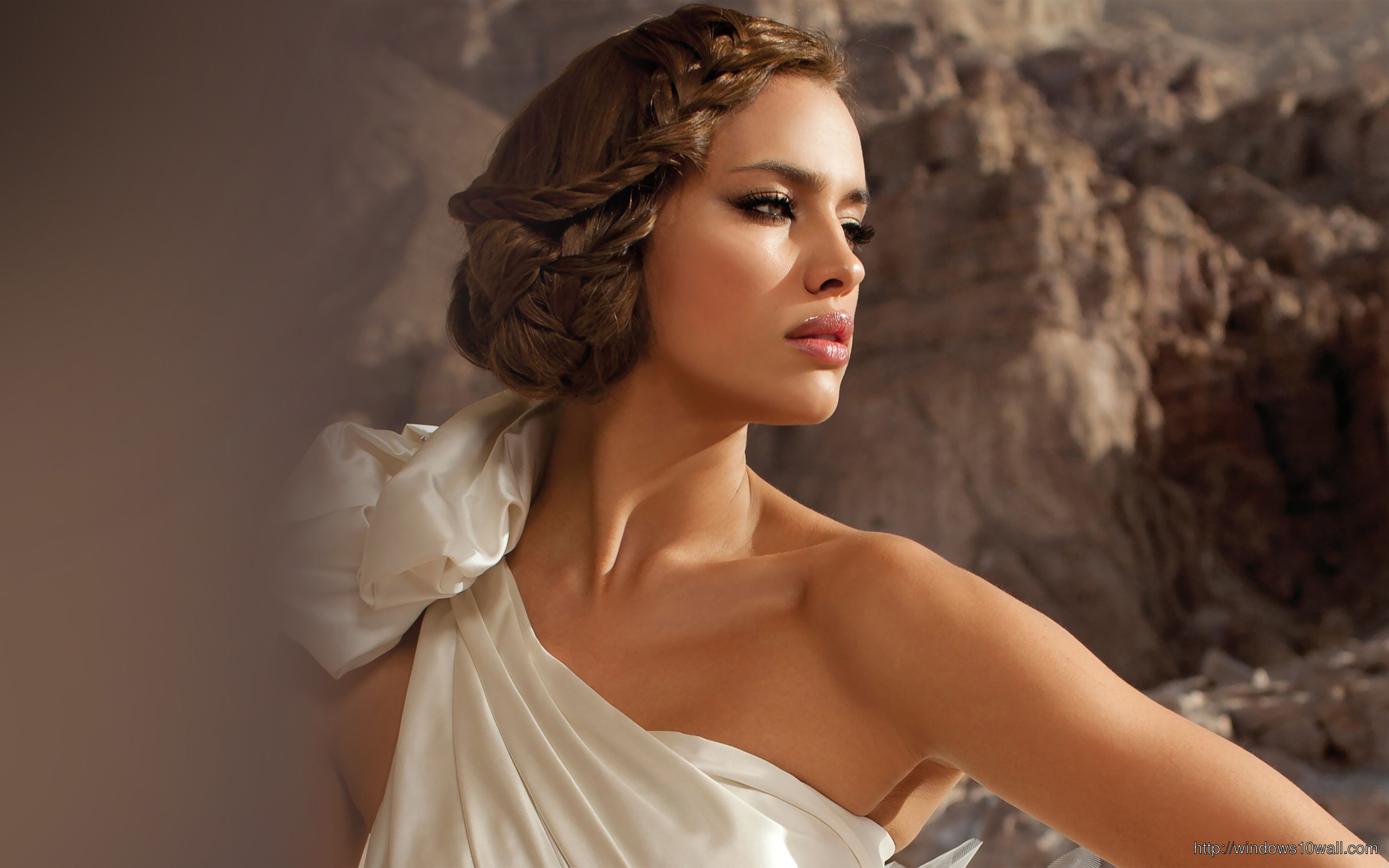 Irina Shayk White Outfit Wallpaper