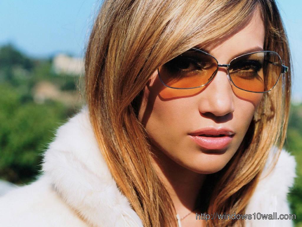 JENNIFER LOPEZ in Sunglasses Wallpaper