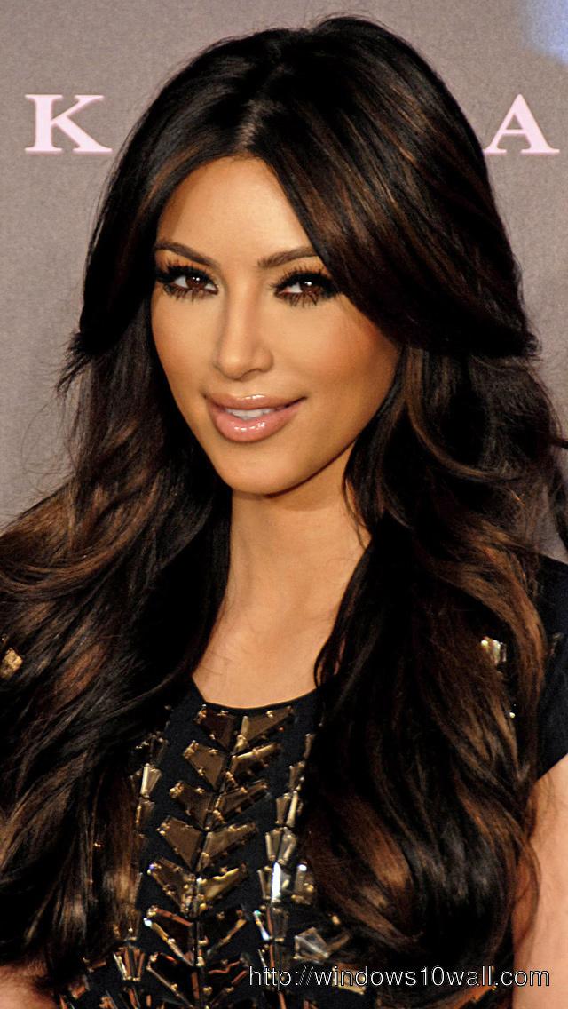 Kim-Kardashian-Iphone-5-hd-Wallpaper