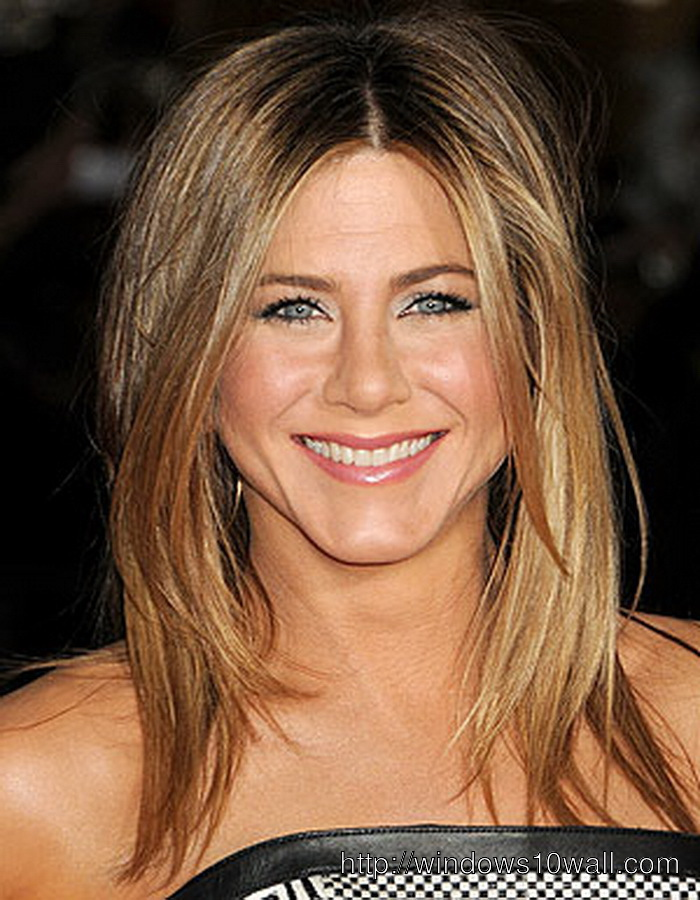 Long Easy Hairstyle Ideas For Women In Their 40s