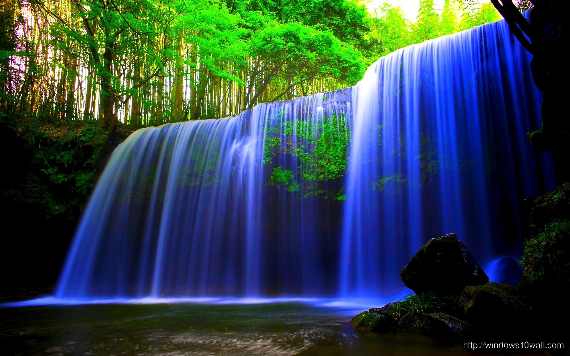 Nature-Blue-Waterfall