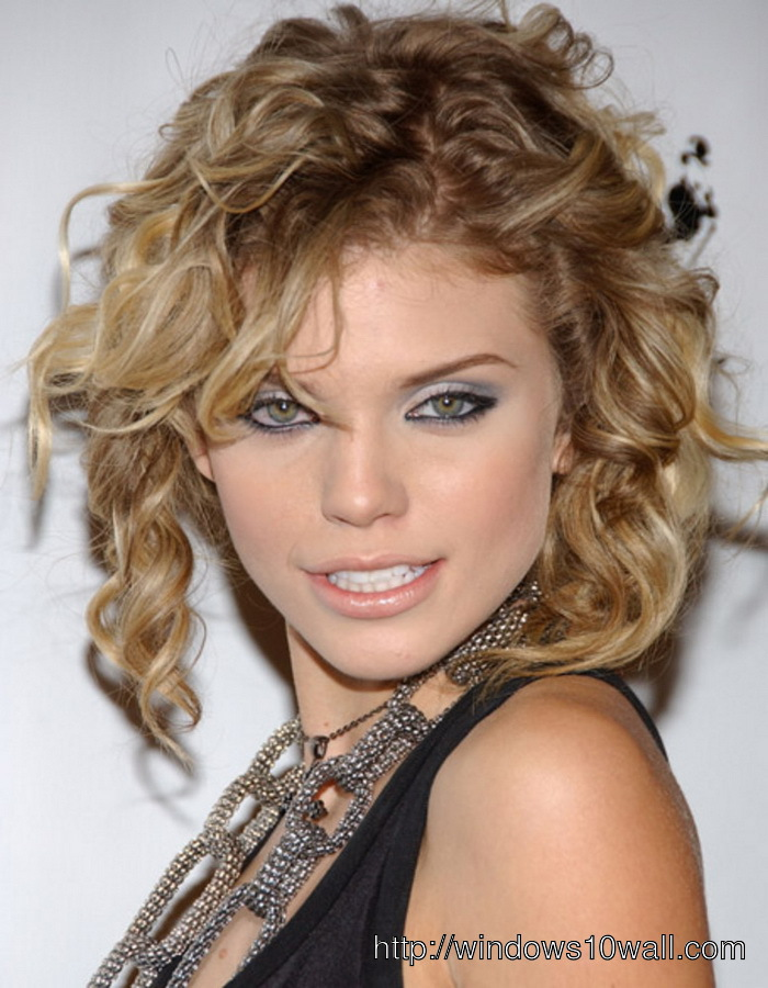 New-hairstyle-ideas-For-Curly-Hair