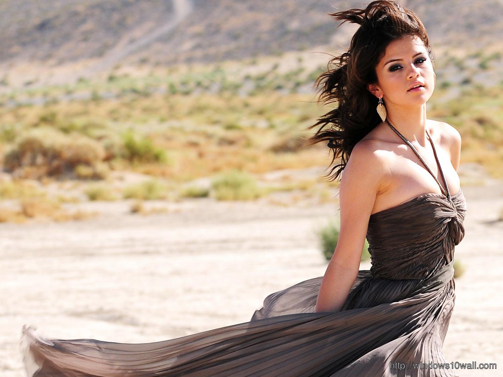 Selena-Gomez-Year-Without-Rain-Wallpaper