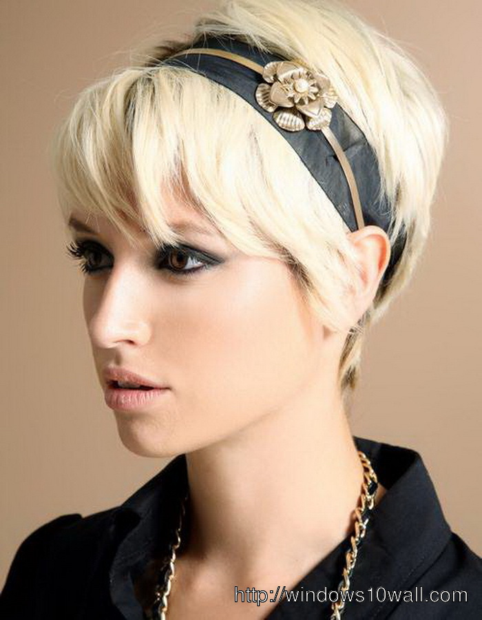 Short-hairstyle-ideas-for-Women-with-Thick-Hair