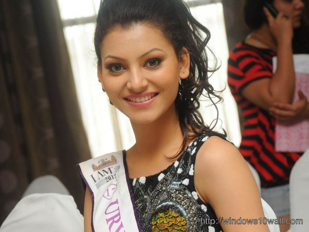 Urvashi-Rautela-Smile-BEautiful-HD-Desktop-Wallpaper
