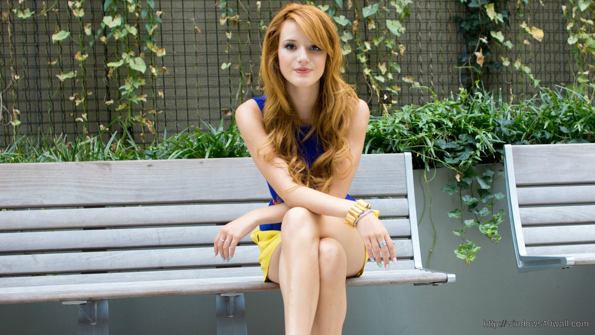 cute-bella-thorne-2014-wallpaper