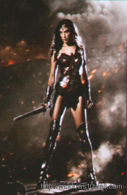Gal Gadot as Wonder Woman Mobile Wallpaper