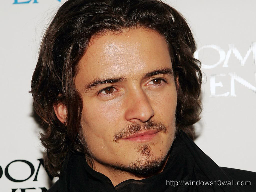 Handsome Orlando Bloom Wallpaper