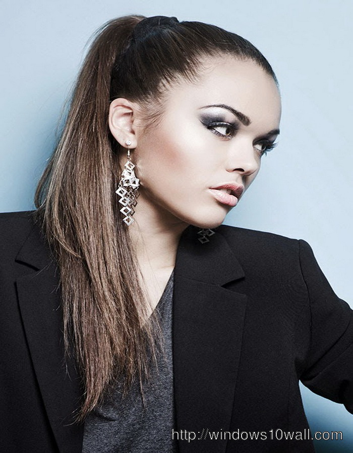 pony-tail-hairstyle-ideas-long-hair-for-business-women