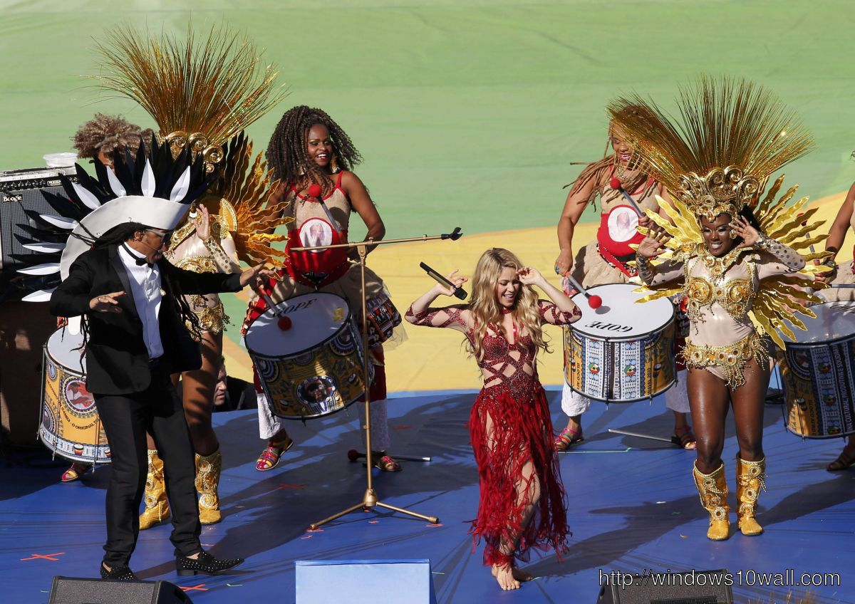SHAKIRA at 2014 Fifa World Cup Closing Ceremony