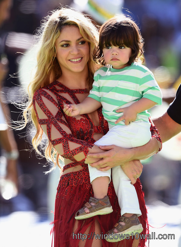 Shakira at World Cup closing ceremony Mobile Picture