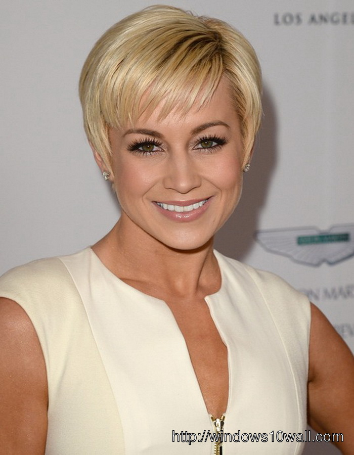 Short Hairstyle Ideas For Women Over 40s