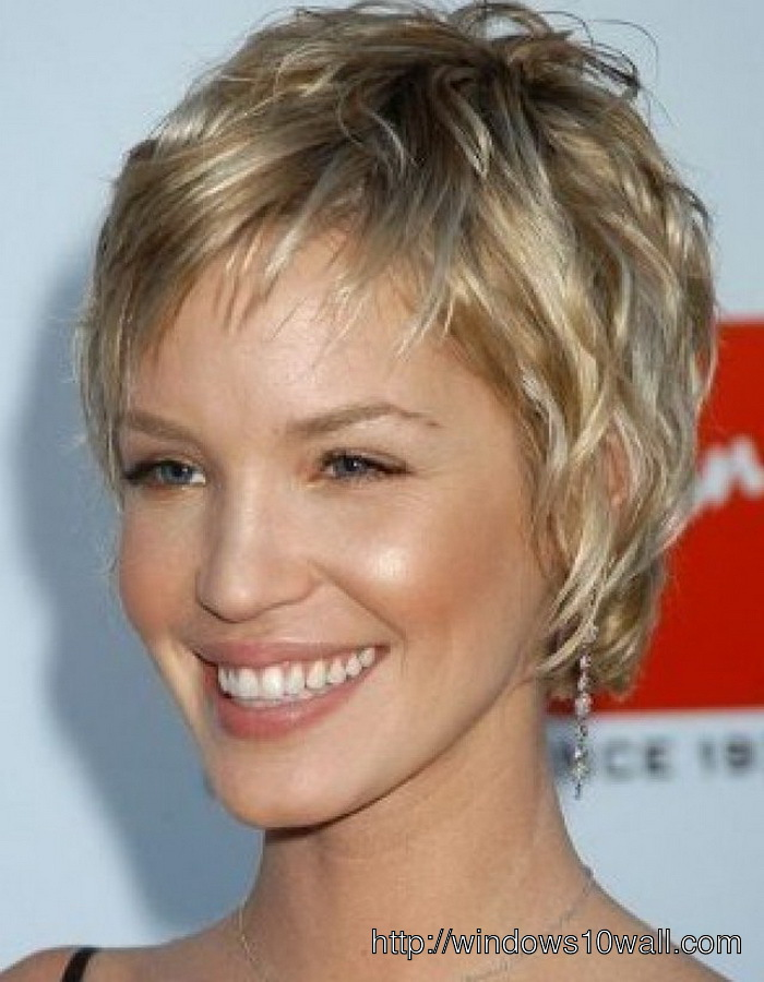 simple-short-hairstyle-ideas-for-women-with-thick-hair