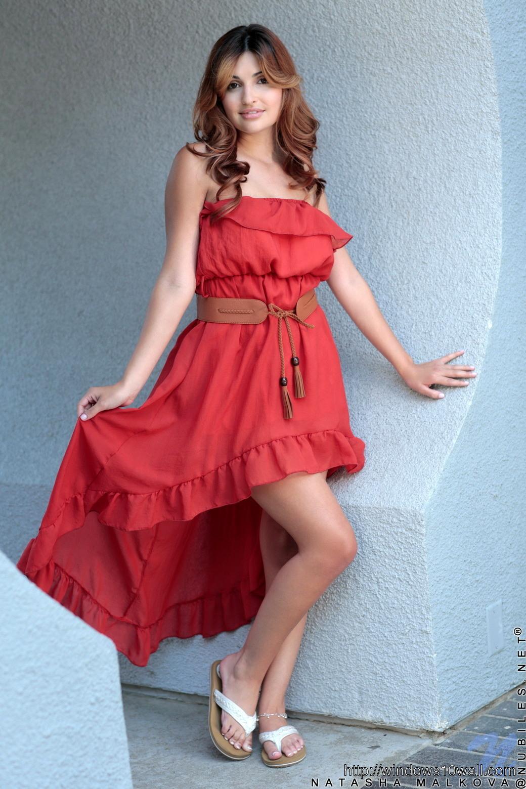 england saxy hot girl