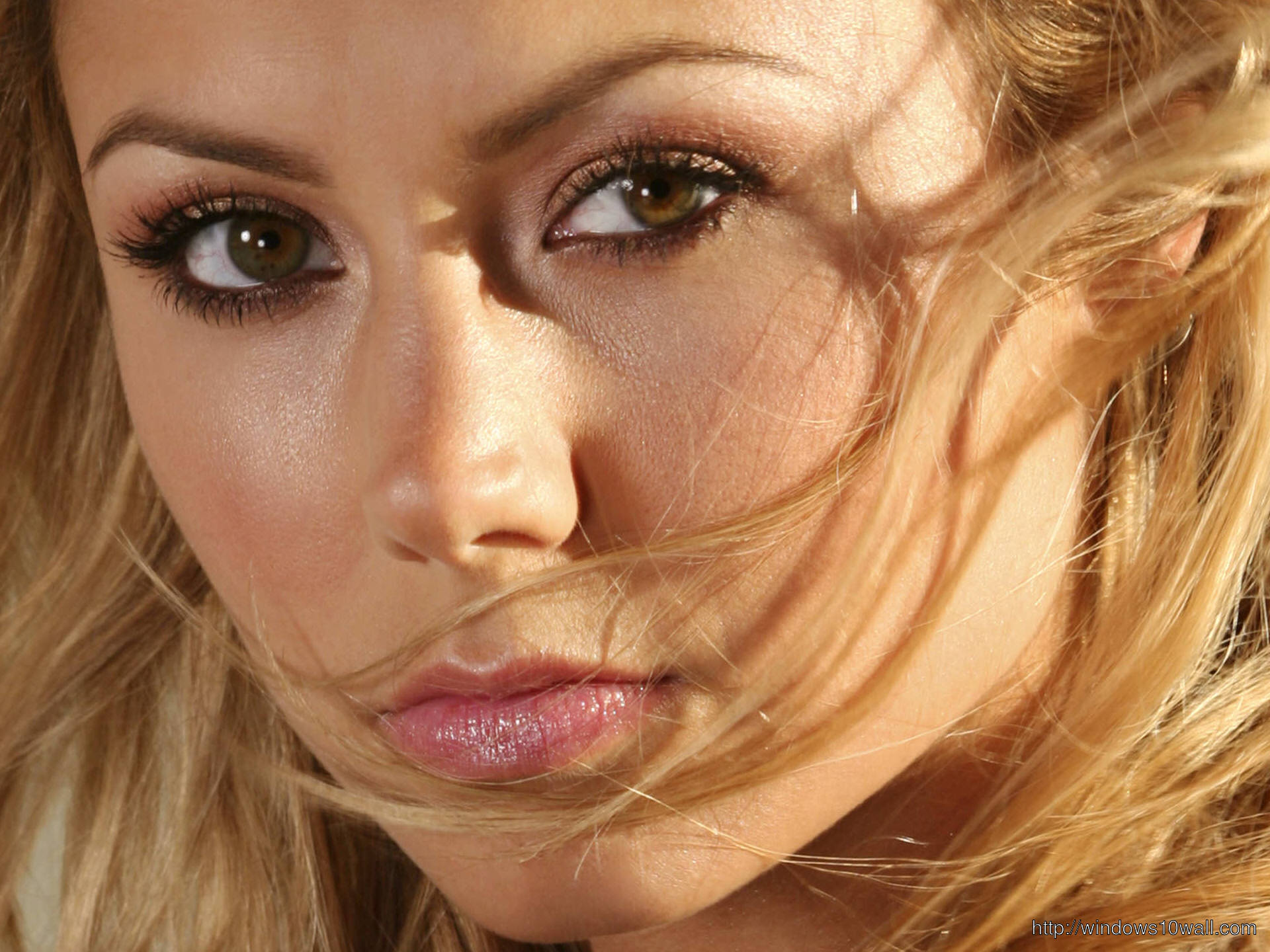 stacy-keibler-close-up-background-wallpaper