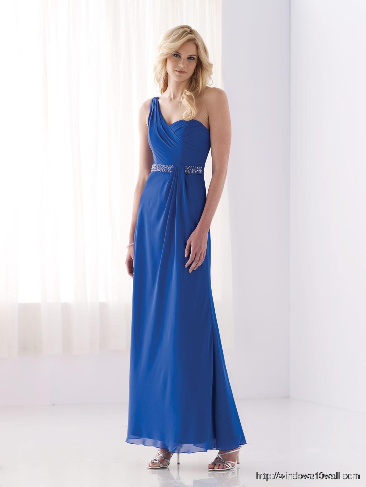 chiffon-one-shoulder-strap-bridesmaid-dress-background-wallpaper