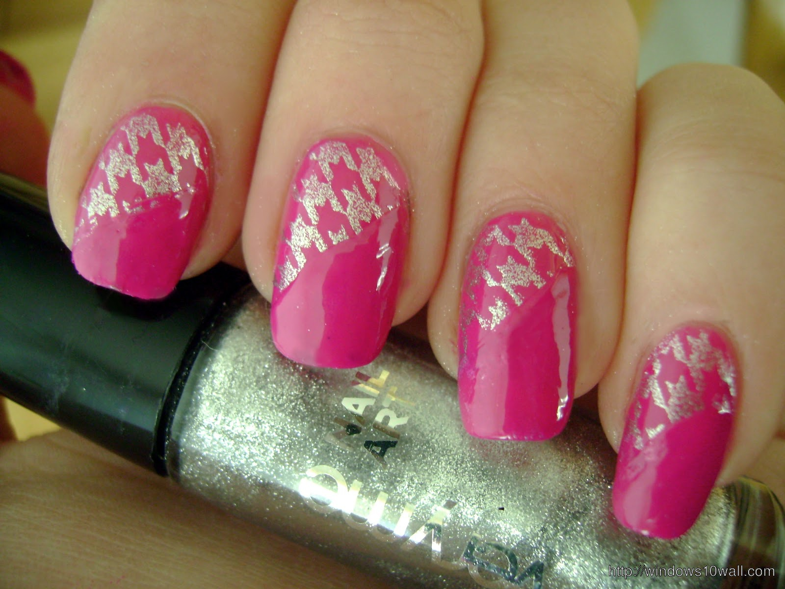 acrylic-pink-nail-art-background-wallpaper