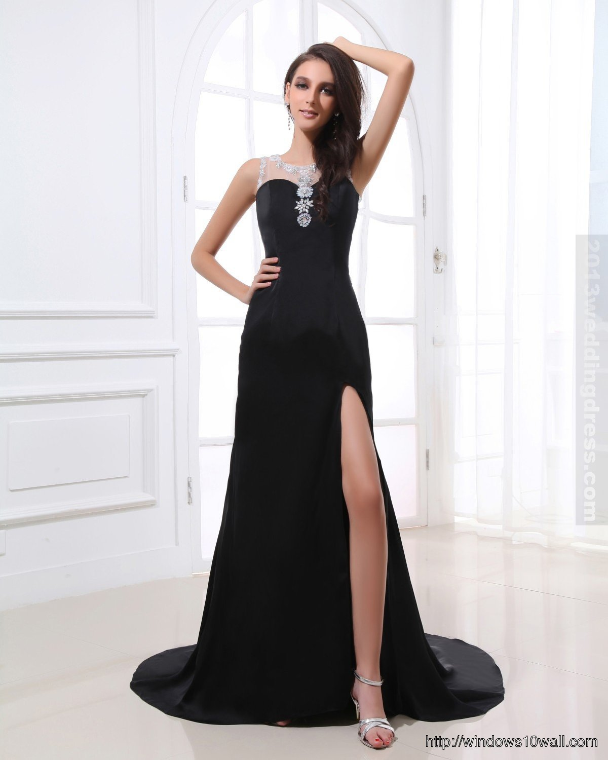 black-sleeveless-prom-dress-elegant-look-background-wallpaper