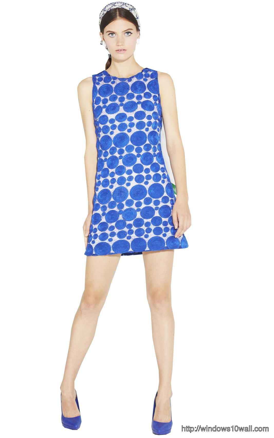 sleeveless-dress-with-blue-dots-background-wallpaper